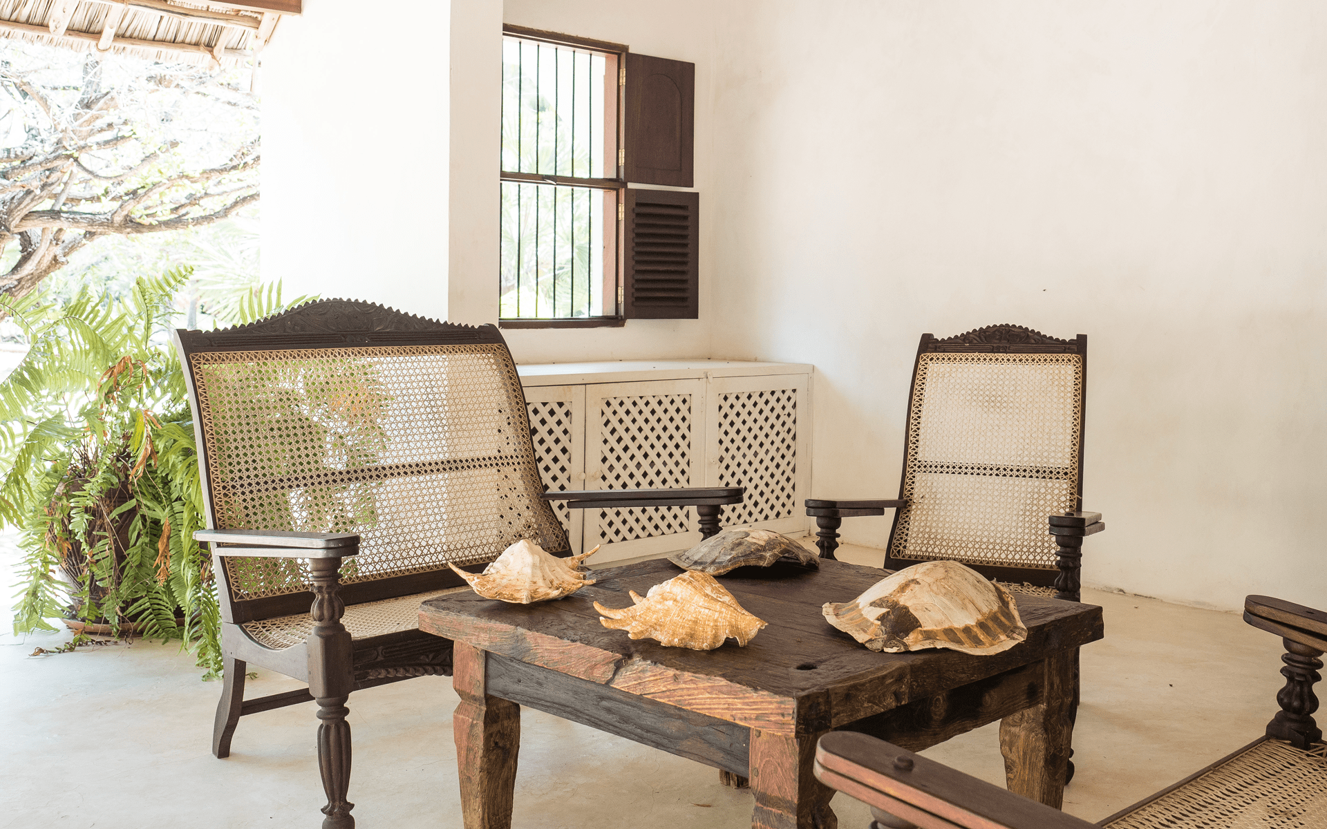 experience-kusini-LV-chairs