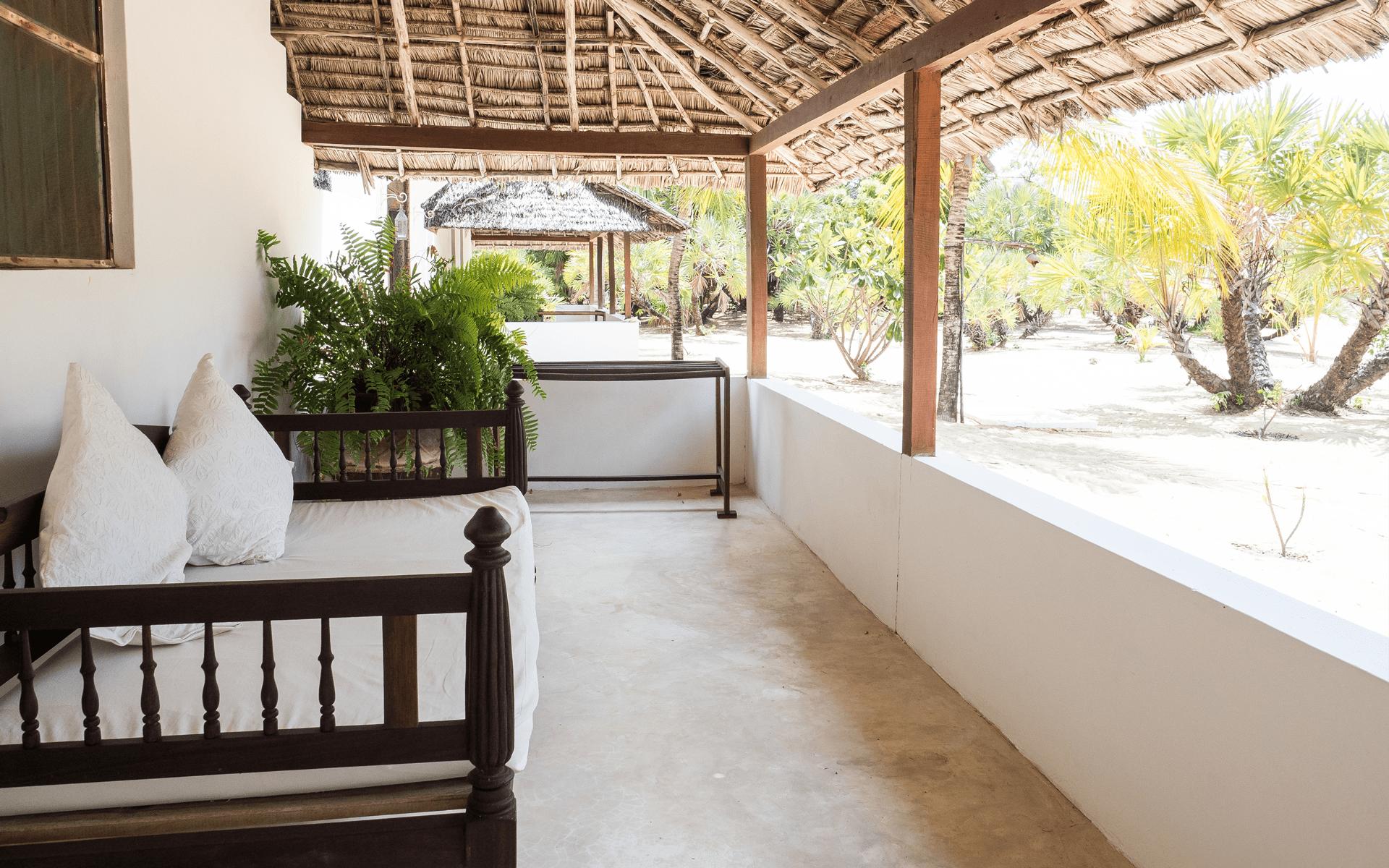 experience-kusini-SF-veranda