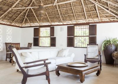 experience-kusini-lounge-front