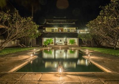 experience-kusini-pool-at-night